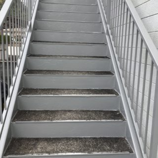 三島市     Nコーポ   鉄骨階段