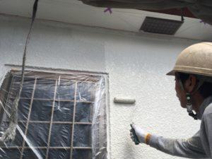 外壁、仕上げ上塗り。