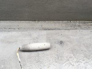 ベランダ防水下塗り