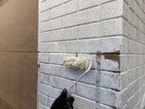 外壁下塗り、中塗り
