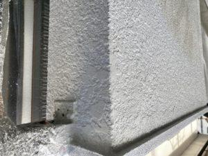 外壁微弾性